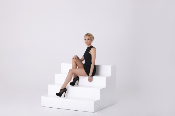 Kristin Cavallari - Seated - The Fabulist